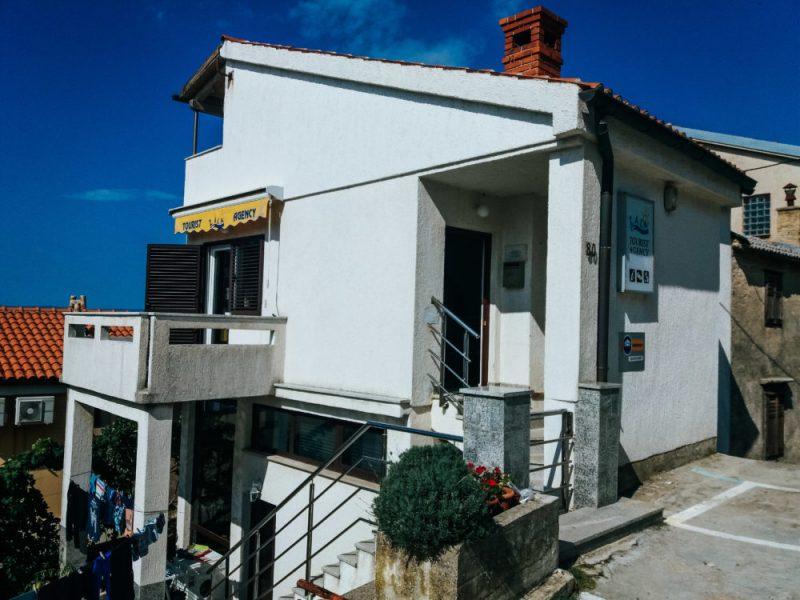Tourist info point in Stara Baška