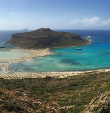 Crete is known not only for its monuments, but also beaches, bays and beautiful views!