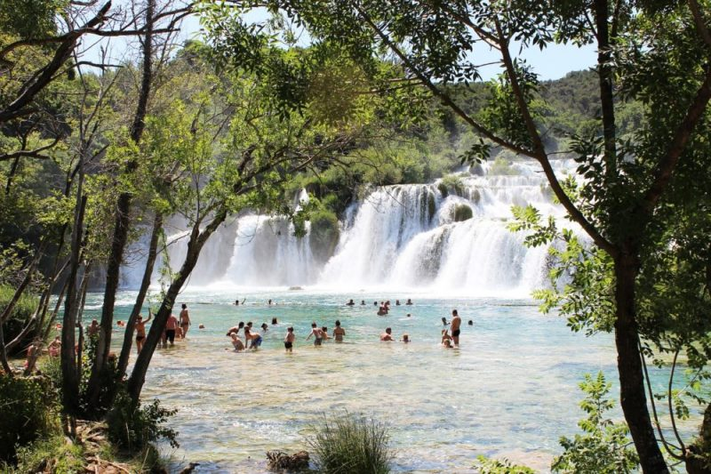 KRKa Waterfalls Park/ What are the admission prices? When is the best time to go there? -> KRKa National Park