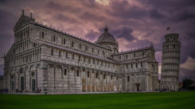 Pisa and the leaning tower is another landmark of the picturesque monuments of Tuscany.