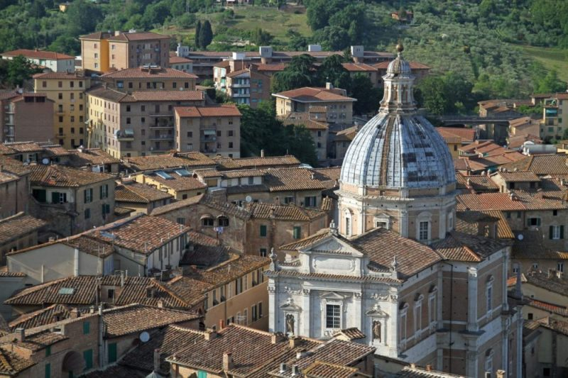 Siena / See interesting places to visit while spending holidays in Siena.