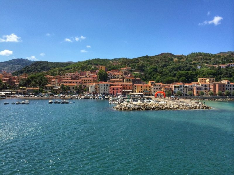 Picturesque Elba / You can get there by ferry and spend unforgettable holidays!