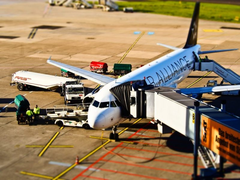 Cheap plane tickets / See where and how to find cheap flights. Check promotions and offers of carriers!