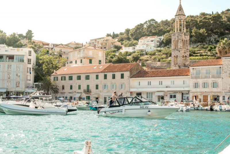 Long-term good weather in Croatia from May to September encourages foreign visitors.