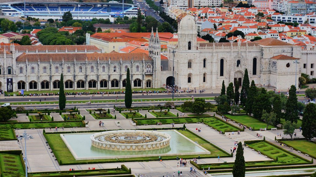 Holidays in Lisbon will certainly be remembered for a long time! See what this city has to offer.