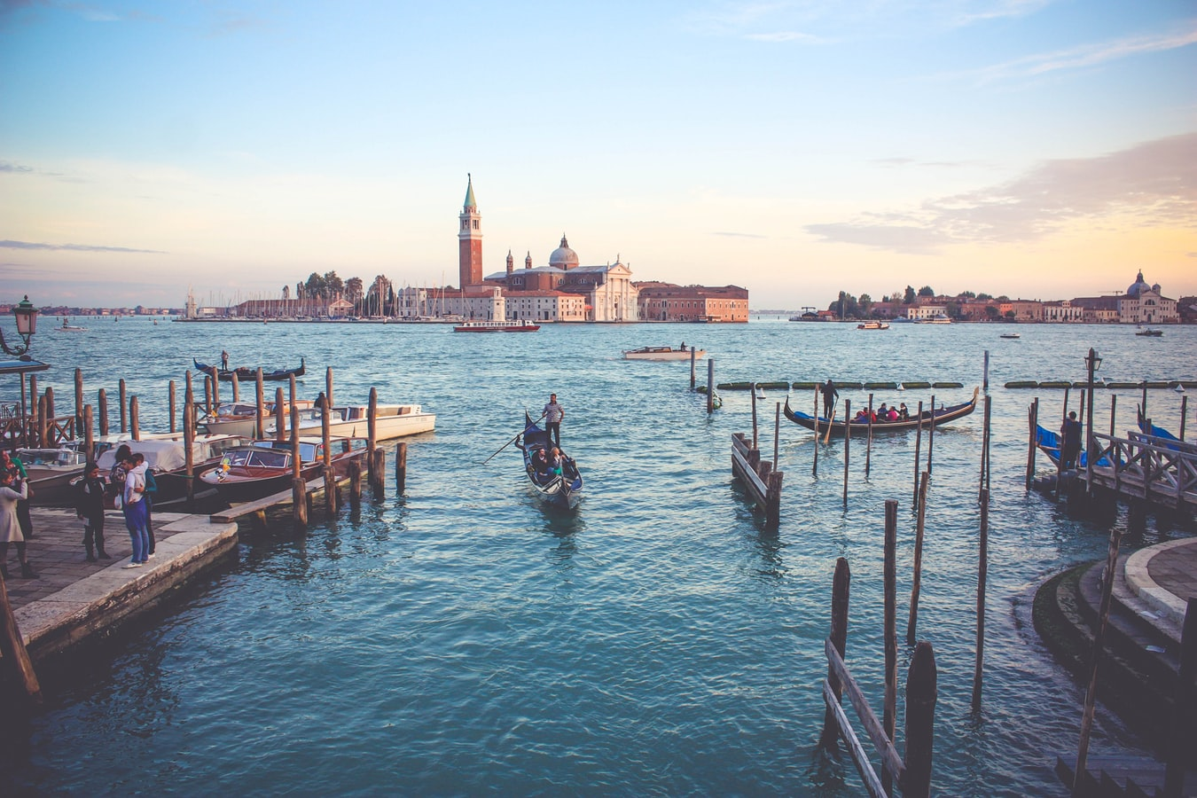 Venice airports: Marco Polo and Treviso / Book your ticket and search for cheap flights.
