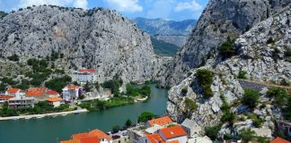 The best, most beautiful and most popular sandy beaches in Omiš