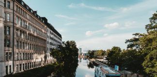 Hotels in Berlin / What is the best? How much is a night at a hotel in Berlin?