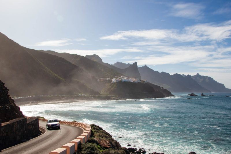 Long-term weather in Tenerife: Spring, summer, autumn, winter. Water and air temperature.
