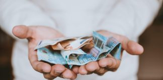What currency in Tenerife? How much money to take to Tenerife for a week? What to pay with?