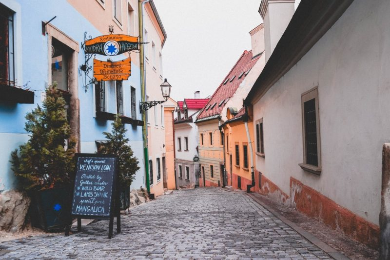 How to pay in Slovakia?