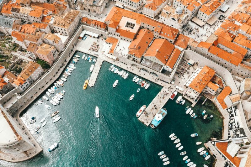 Prices in Dubrovnik: Food and dinners at restaurants and bars.