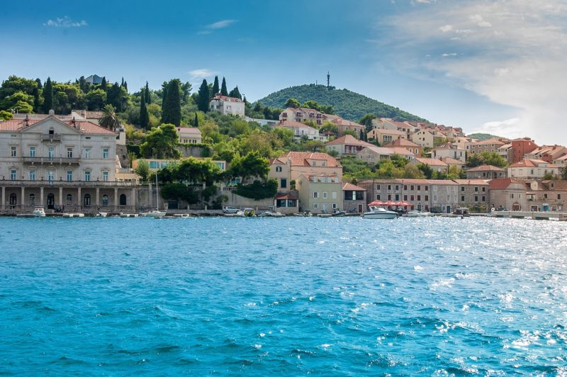 Dubrovnik pebbly and rocky beaches / The best beaches in Dubrovnik