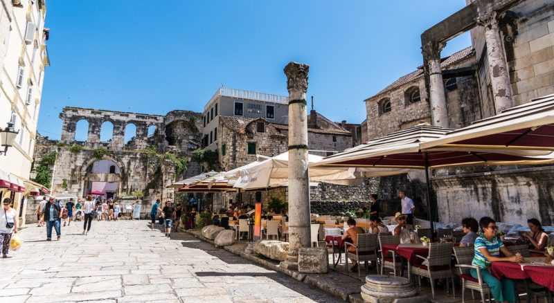 Promenada Riva in Split / Interesting places and tourist attractions in Split