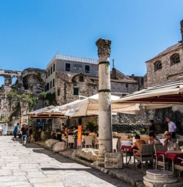 Split Palace of Emperor Diocletian / Attractions and sights that are worth visiting in Split