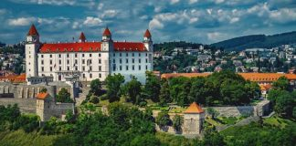 What is worth seeing in Bratislava? Interesting places, monuments and tourist attractions that are worth visiting.