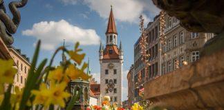 Marienplatz in Munich / Check out other Munich attractions