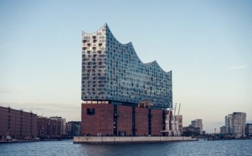 Attractions in Hamburg / Interesting places and monuments that are really worth seeing and visiting.
