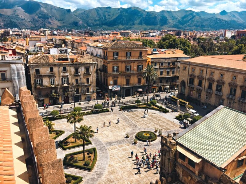 Palermo interesting places / Seeing monuments and tourist attractions