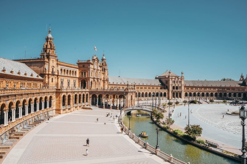 Sevilla monuments / The biggest and the most important / Interesting places and tourist attractions